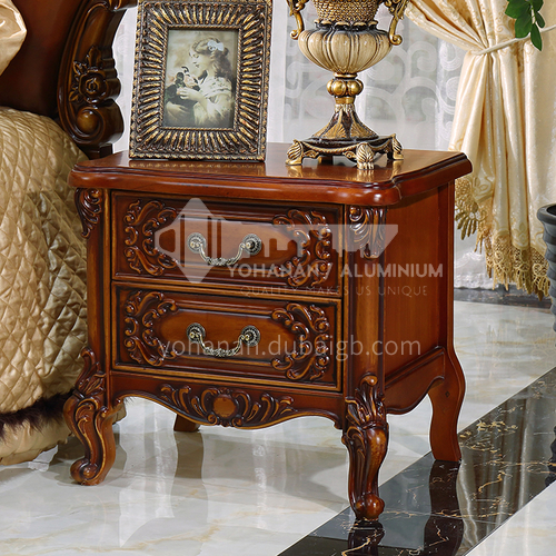 GH-1102-European classical style, Thailand imported rubber wood, hand-carved pattern, hardware handle, wooden tripod, European classical bedside table