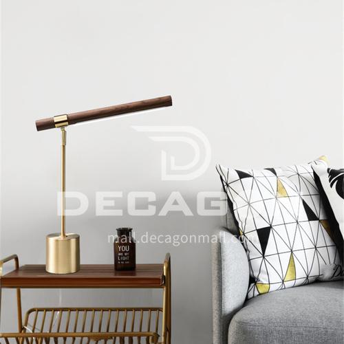 Italian designer wood grain copper color Nordic minimalist bedroom bedside desk soft decoration model room hotel table lamp YDH-8320